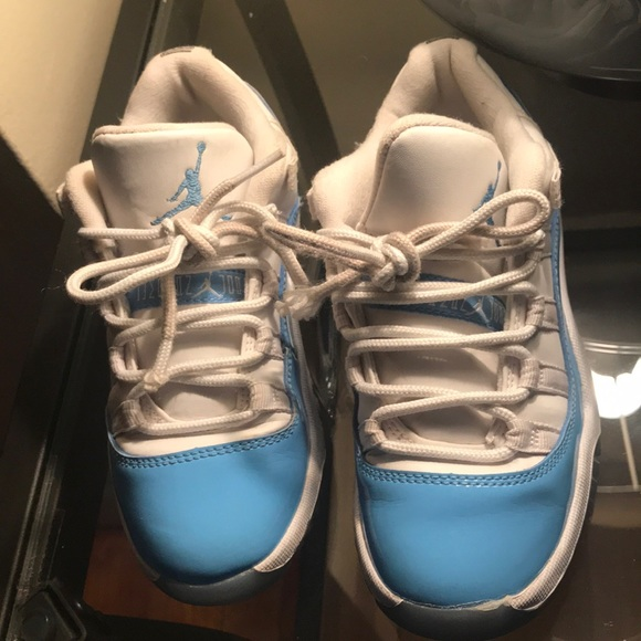 save off 5a599 fa94a Jordan Retro 11 Low UNC light blue/ white